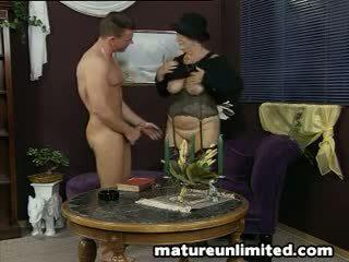 Great mature woman getts assfuck
