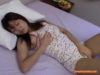 Asijské dospívající masturbating