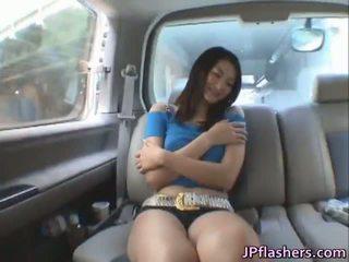 Risa murakami er en søt asiatisk babe som