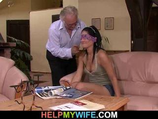 Vicious زوجة gets مارس الجنس في جبهة من لها زوج