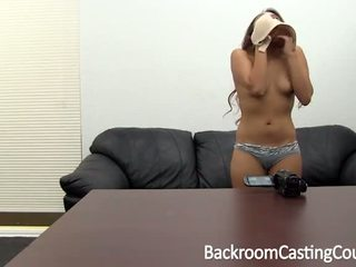 Fac cutie première anal & ambush creampie casting