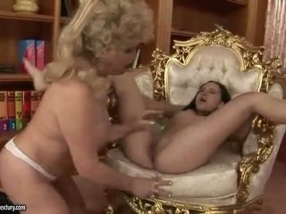 pissing best, pussy licking ideal, old