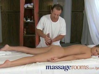 Масаж rooms innocent млад клитори are aroused от възрастни masseuse fingers