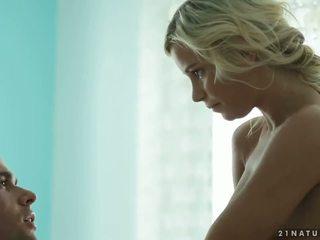 Frumusica transexual gagica leticia castro unloads sticky sperma