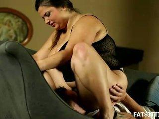 Groß und sensuous leny facesits sie obedient serf