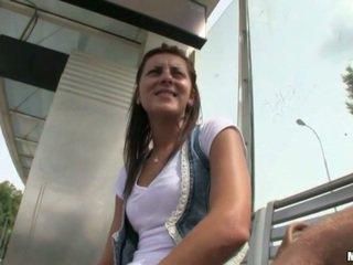 Чешки уличница banged близо до на tram станция