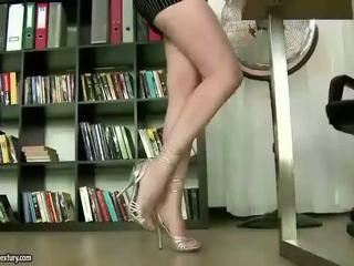 Asa Akira enjoys nasty footsex