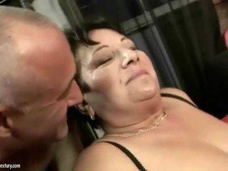 Çişik garry mama enjoys ýigrenji hard sikiş