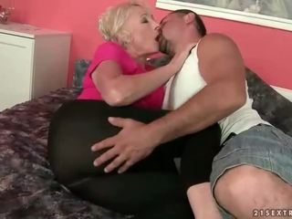 granny hot, moms and boys online