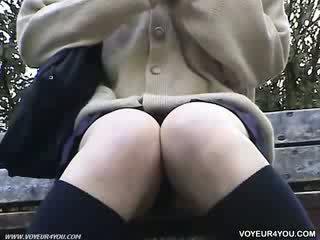 Ekstremalus mini sijonas merginos