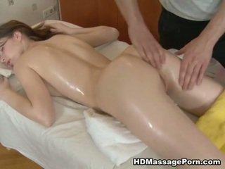 أقرن masseur bangs ل جنسي زبون