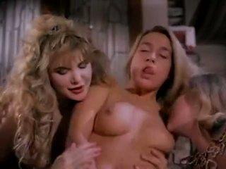 أشرطة الفيديو من الفتيات مع ضخم الثدي كبير الثدي عار