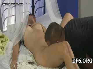 Virgin tries son 1st dong