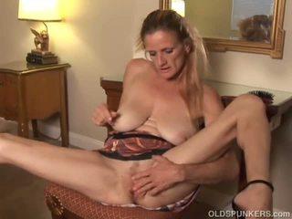 Skanky Old Spunker Fucks Her Soaking Wet Pussy: Porn d4