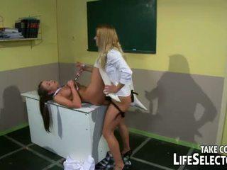 जीवन selector: nikky thorne sexually पनिश्ड द्वारा उसकी कदम मोम