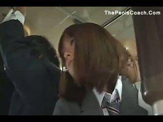 Écolière has à donner une pipe en une bus