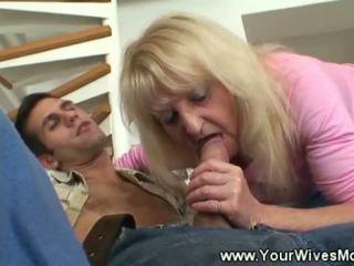 Vechi doamnă gets lui pula greu using ei gură