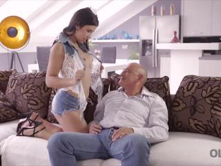 Old4k Rough Sex for Stunning Latina Babe, Porn 2d