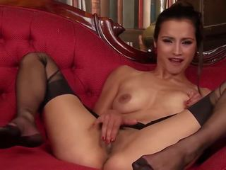 Dusky beauty: bezmaksas zeķe hd porno video 8b