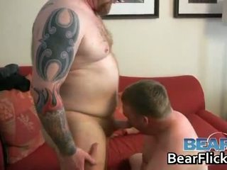 Đồng tính bears drilling chất béo ass lõi cứng