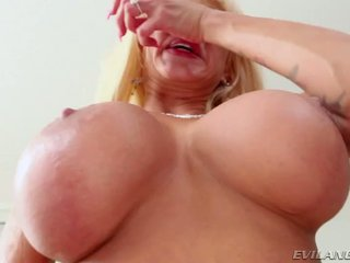 Nikita Von James Chows Down On Meaty Cock And Takes Big Load