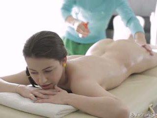 18 virgin seks - 18 tahun lama alina