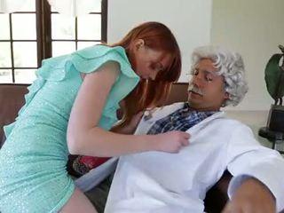 Porno mexicano viejito cogiendo peliroja!