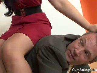 Caroline pierce এবং তার cuck hubby ভাগাভাগি একটি ফেসিয়াল