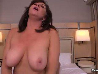 puma, lielas krūtis, busty milf, karstā mamma