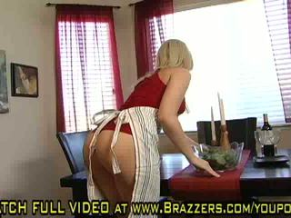 Alexis Texas Cookin it Up With Alexis Texas