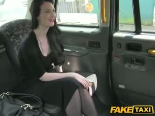 Gorgeous Kitty trades sex for cab fare
