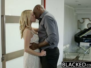 Blacked heet blondine meisje cadenca lux pays af boyfriends debt door neuken bbc
