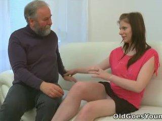 Maria lets an قديم guy اللعنة لها و ثم gets لها boyfriend إلى انضم في مع ال عمل
