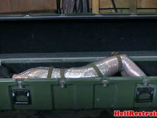 Mummified submisívne learns discipline