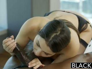 BLACKED_VALENTINA-NAPPI