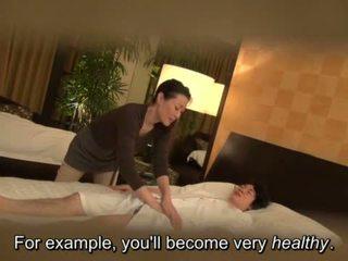 nice masseuse scene, fun striptease, hq cougar video