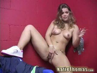 Katie thomas και αυτήν gloryhole καβλί