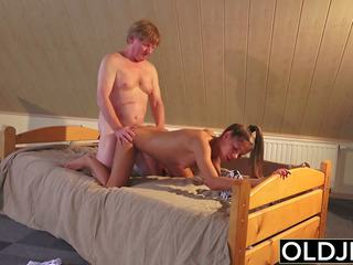 Old and young porno ýaşlar fucked by old man in amjagaz and