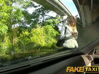 Faketaxi enkeli on pounded mukaan minun iso kukko päällä minun taxi, jotka on hän?