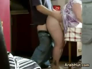 Thick amateur arab poulette gets baisée