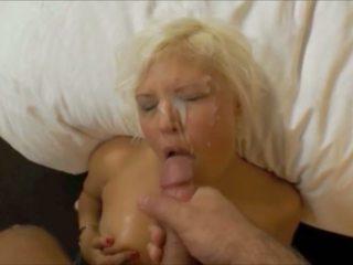 Owadan blondinka ýüzüne dökülen 98, mugt pov hd porno af