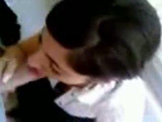 Турецька дівчина з гаряча титьки giving глава