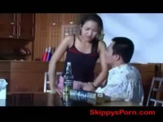 泰国 女孩 gets 性交