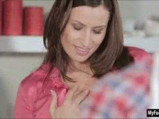 vol brunette meer, grote borsten ideaal, meest pijpbeurt gratis