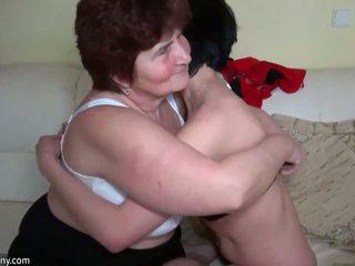 Vanhemmat naiset helvetin kanssa younger naiset ja licking