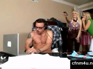 Guy gets caught while wanking on porn