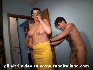 Italian wife cuckolds his hubby lei troia lui cornuto