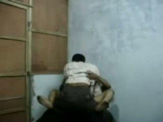 Bangla raand blackmailing suo cliente per sesso