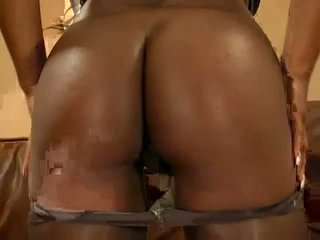 Tasty ebony pornstar shows off her amazing body