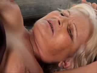 Oma Anal porno